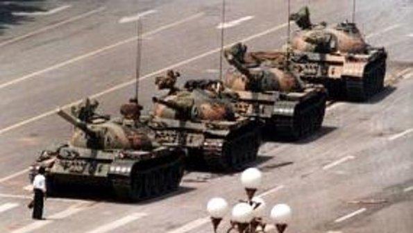 tanques-massacre-praca-da-paz-celestial-size-598
