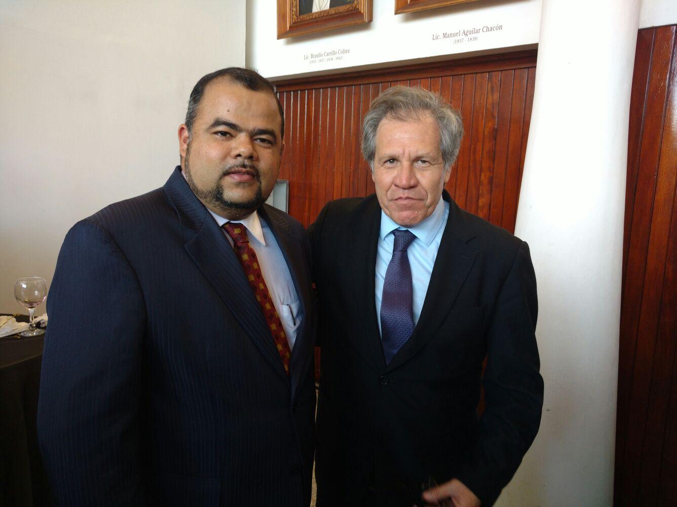 Con el Secretario General de la OEA, Dr. Luis Almagro Lemes